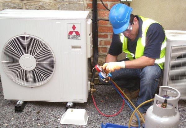 Sửa máy lạnh khi bị rò ga, khắc phục hiệu quả nhất